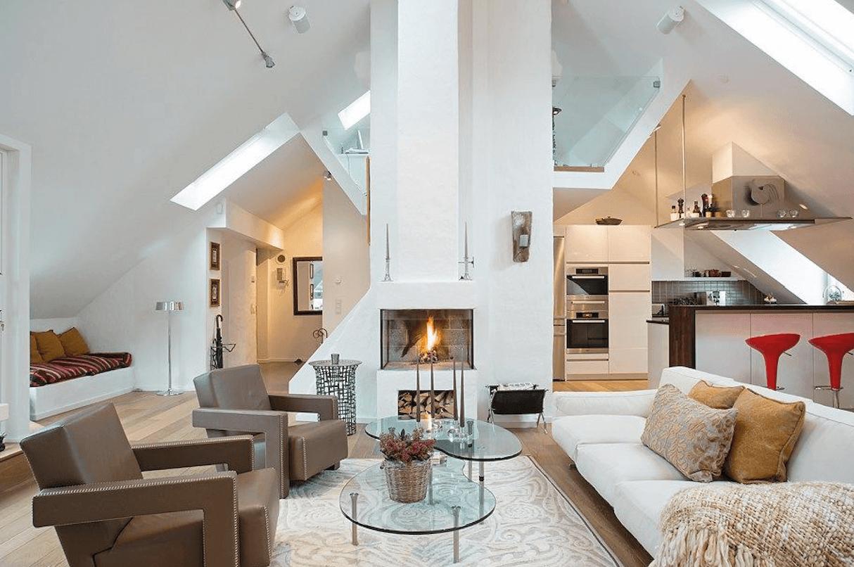 Intérieur moderne avec grande hauteur sous plafond